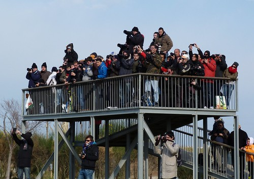 Spotters de BCN-LEBL a la espera de Airbus A380 Emirates EXPLORED 02-03-2013
