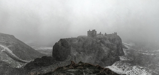 Dunnottar Castle, driving snow (M3105255raw 0p1)
