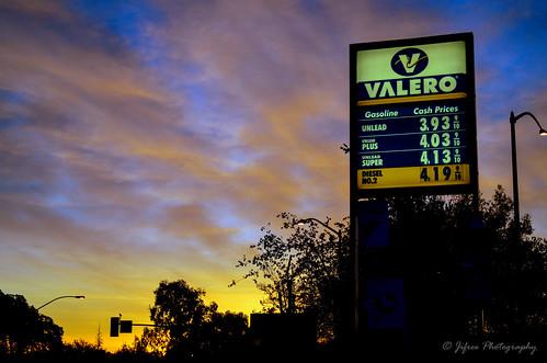 california ca morning sky sunrise photography nikon gas gasstation gasoline fuel refuel rocklin valero d5100 jifree