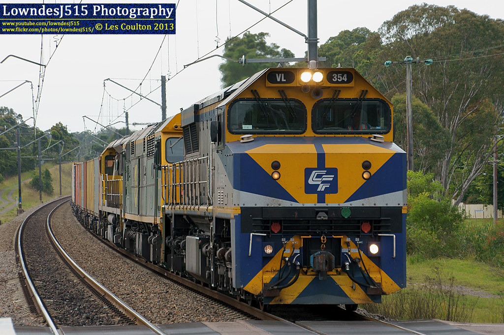 VL354, 8037 & 1108 at Warnervale by LowndesJ515