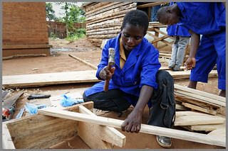 Pamela working as Carpenter | by ILO PHOTOS NEWS