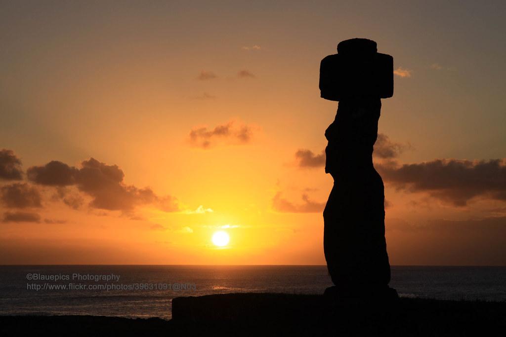 Isla de Pascua, Hanga Roa, Ahu Akapu, Sunset | Gunter Hartnagel | Flickr