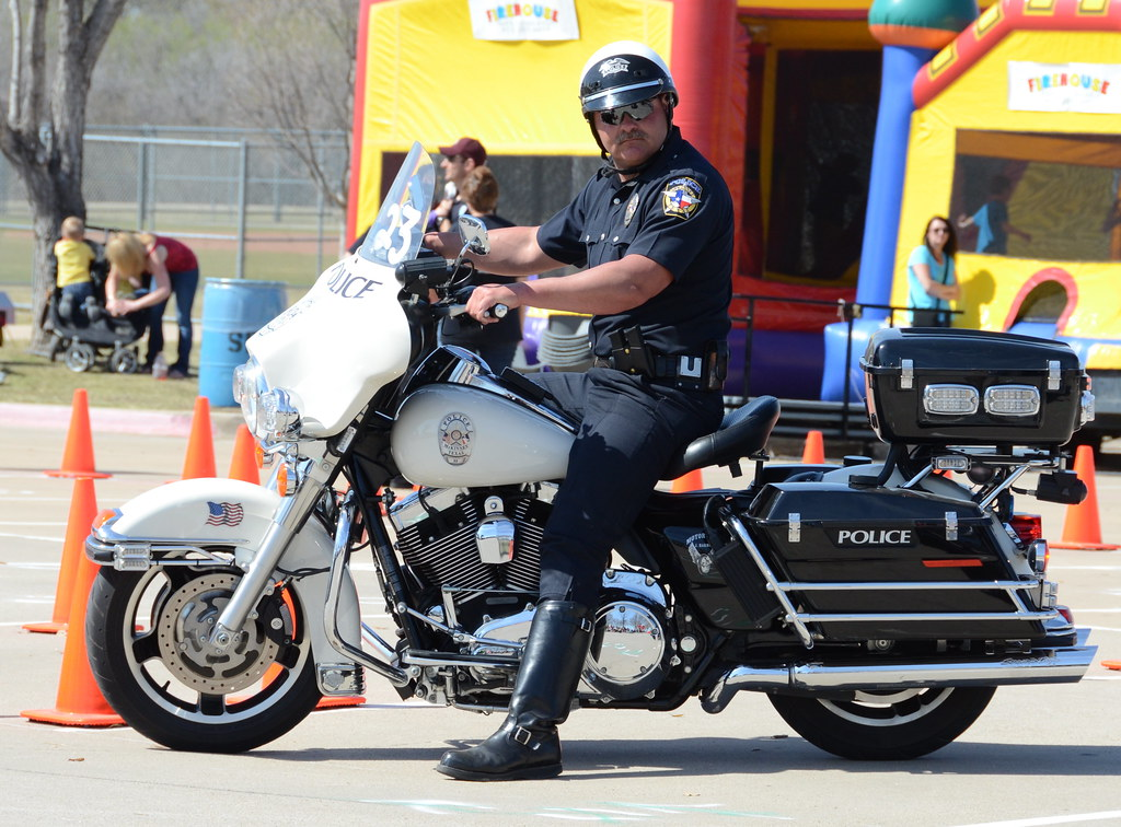 Motorcyle escort wreaths across america houston