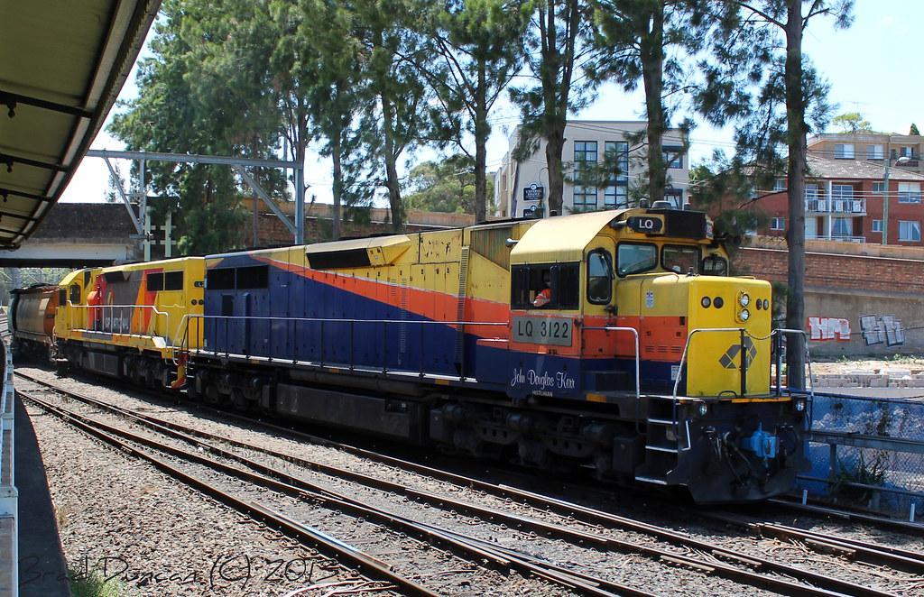 LQ3122 by Hitachi 300M