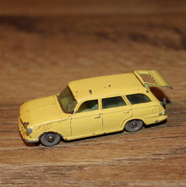 Matchbox 38b, Vauxhall Victor Estate car