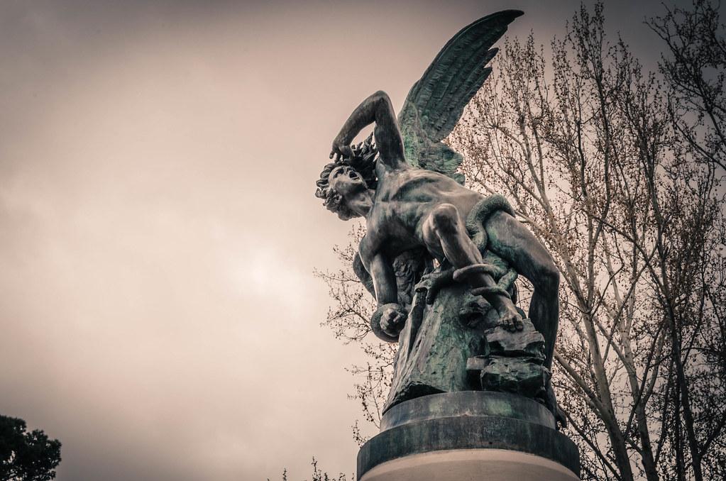 Monumento del Angel Caído