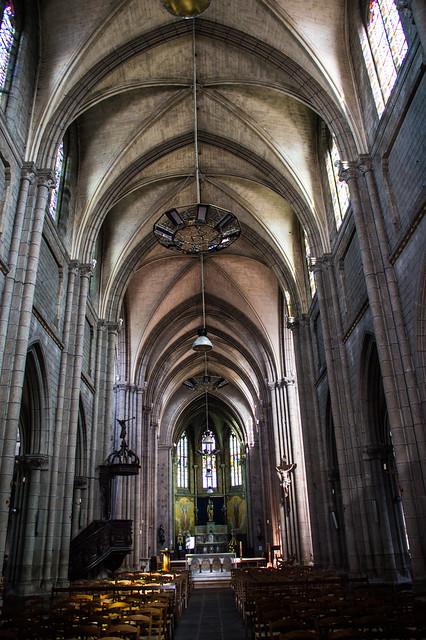 Basilique Notre Dame De D?livrance Interior 01