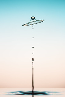 Water Drops - Gradient Background | by raulfragoso