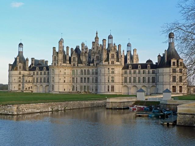 Castillo de Chambord (quizás el castillo más visitado y famoso del valle del Loira)