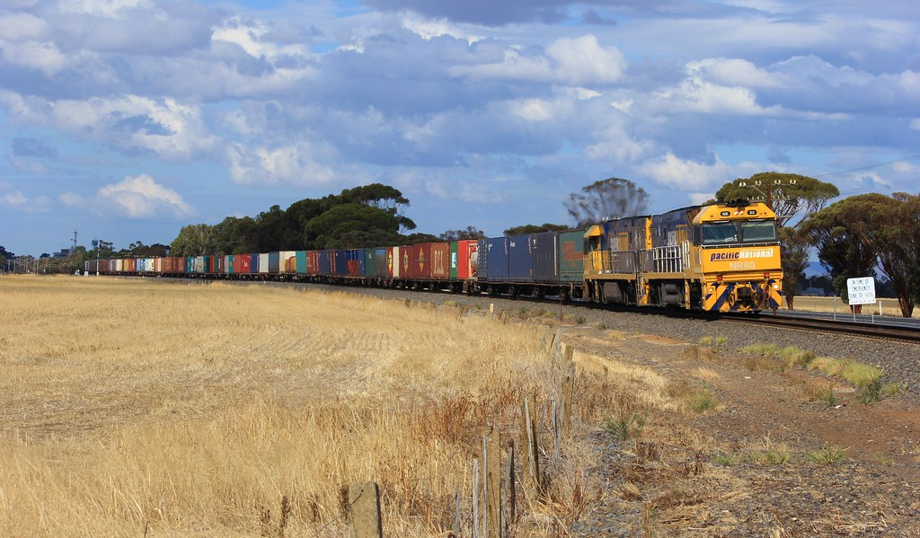 NR80 and NR20 power BA6 superfreighter to Adelaide out of Horsham on a sunny Autumn day by bukk05