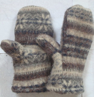 Cashmere Lined Wool Mittens 2