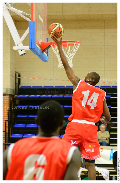 Edgard Missengue ESC Trappes-SQY Basket vs Caen