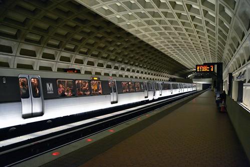 Farragut West Metro | by jpellgen (@1179_jp)