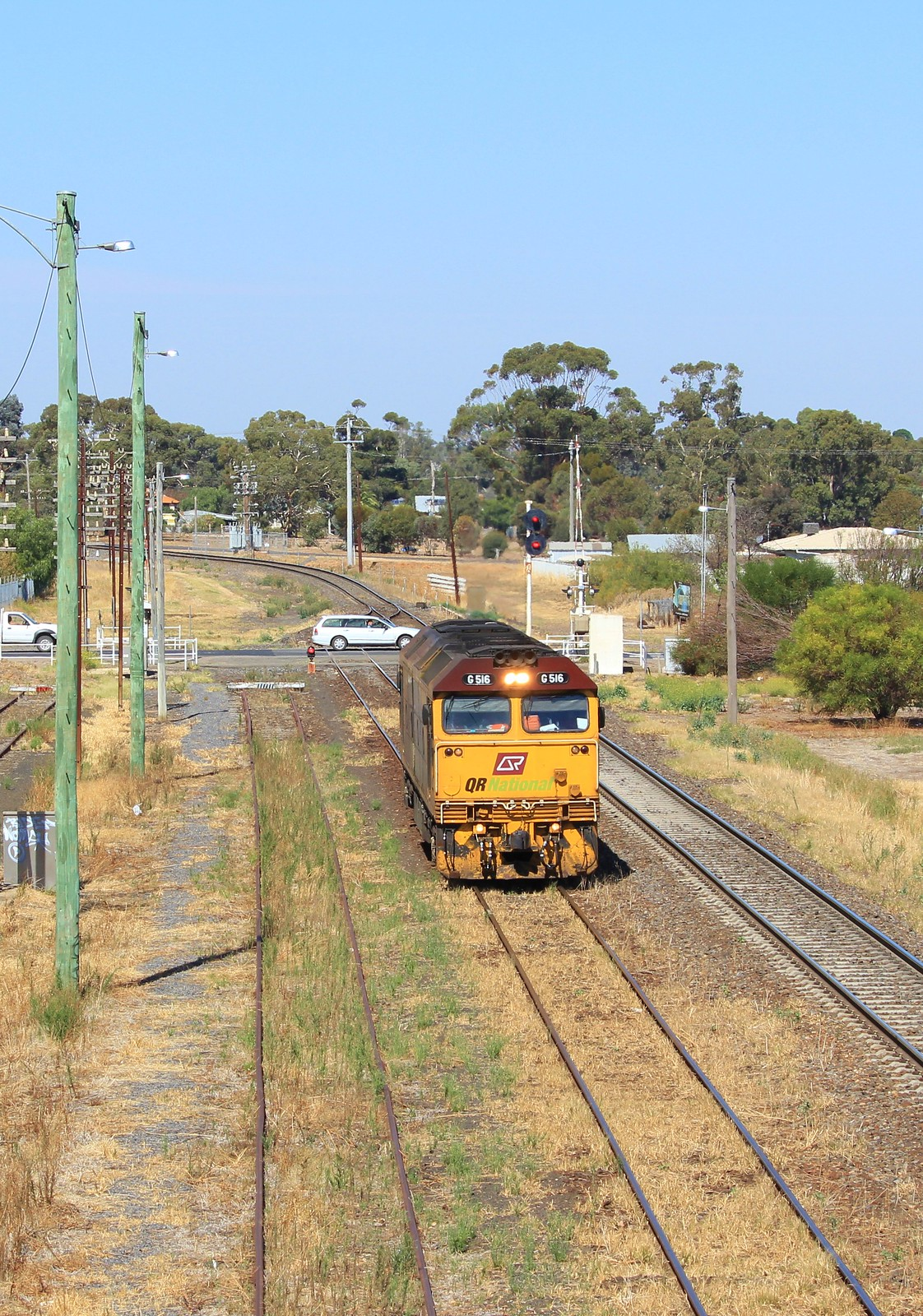 G516 pulls into Dimboola light engine for a possible crew training run by bukk05