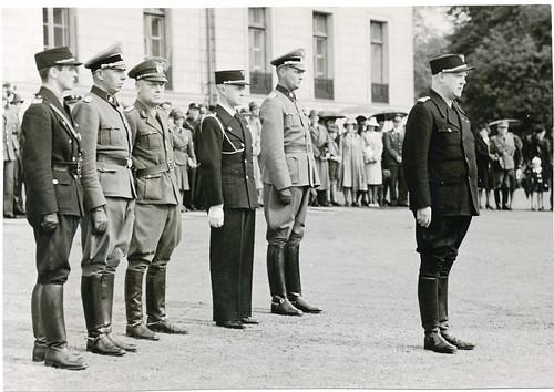 På slottsplassen. Quisling, Terboven, von Falkenhorst, Böhm.
