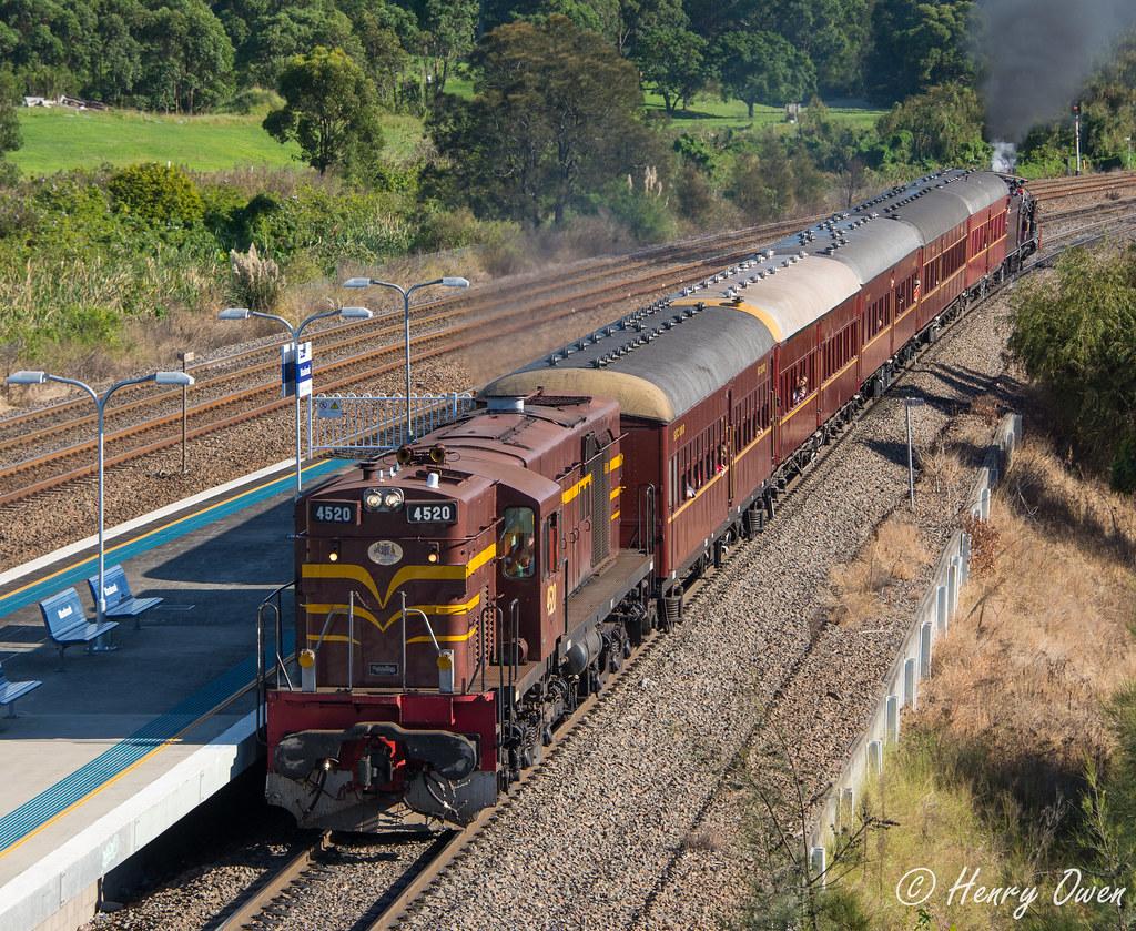 4520 at Warabrook by Henry Owen