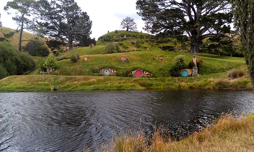hobbiton-houses | by Mooiness
