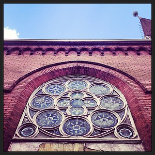 #savannahga #church #stainedglass #window #lookup   by troy wandzel