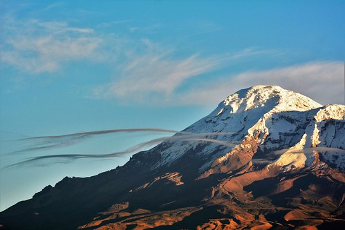 mountain riobamba snow nevado nieve cloud nube amanecer sunrise morning chimborazo volcan volcano ecuador