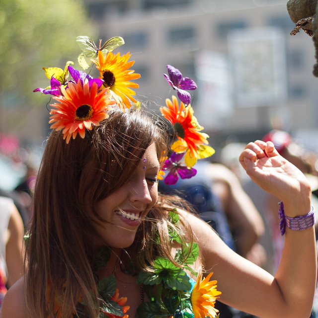 How Weird Street Faire 2013: be sure to wear some flowers in your hair