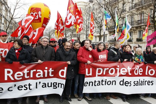 圖01.3月初,工會遊行抗議法國政府推行的勞動法改革。