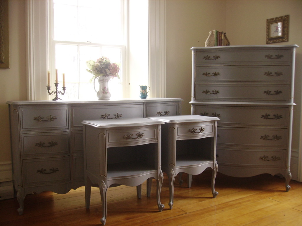 Shabby Chic Vintage Andrew Malcolm French Provincial 5 Pc ...