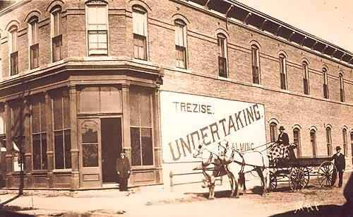 Toms Tavern was in the former Trezise Undertaking on 11th & Pearl.