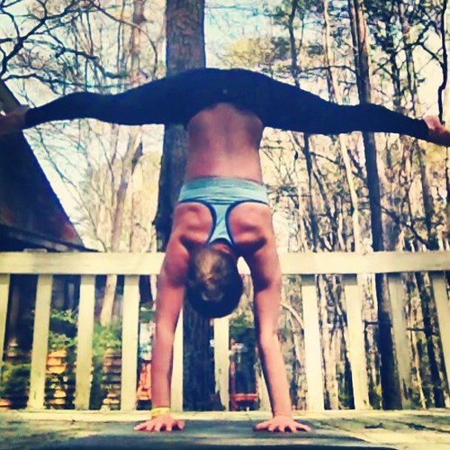 Straddle handstand | by The Random Hiccup