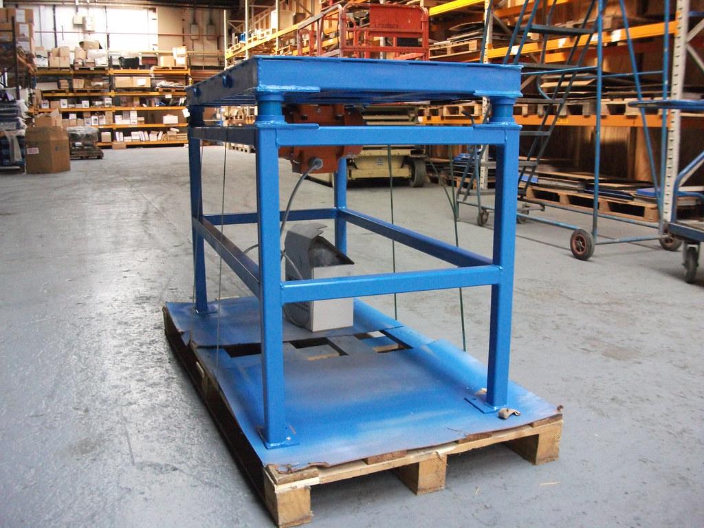 Platform Vibrator, Heavy Equipment Used in Construction