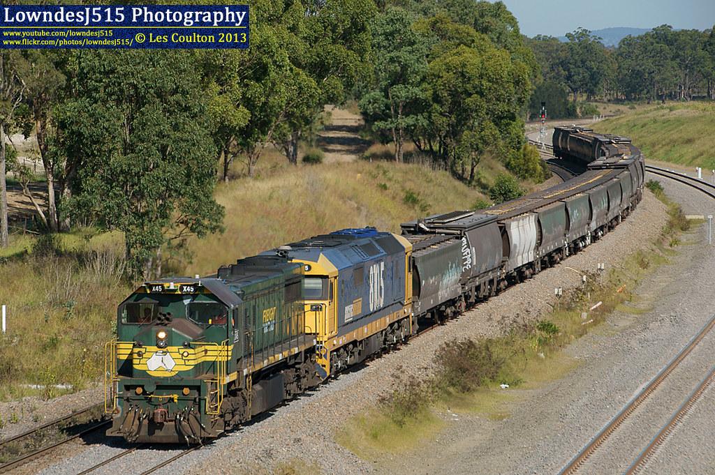 X45 & 8105 at Lochinvar by LowndesJ515