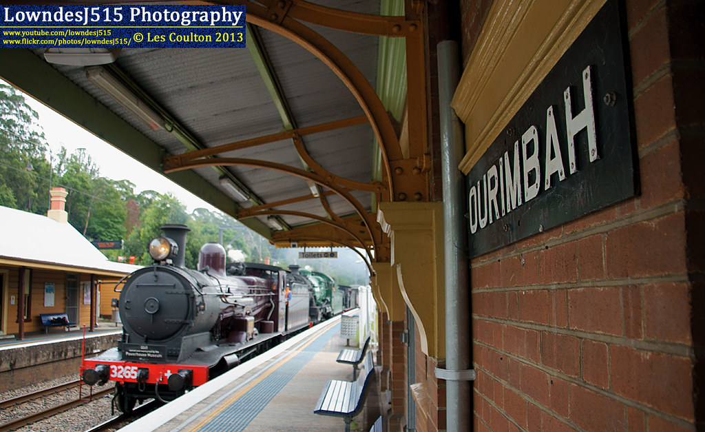 3265, 3642 & 3016 at Ourimbah by LowndesJ515