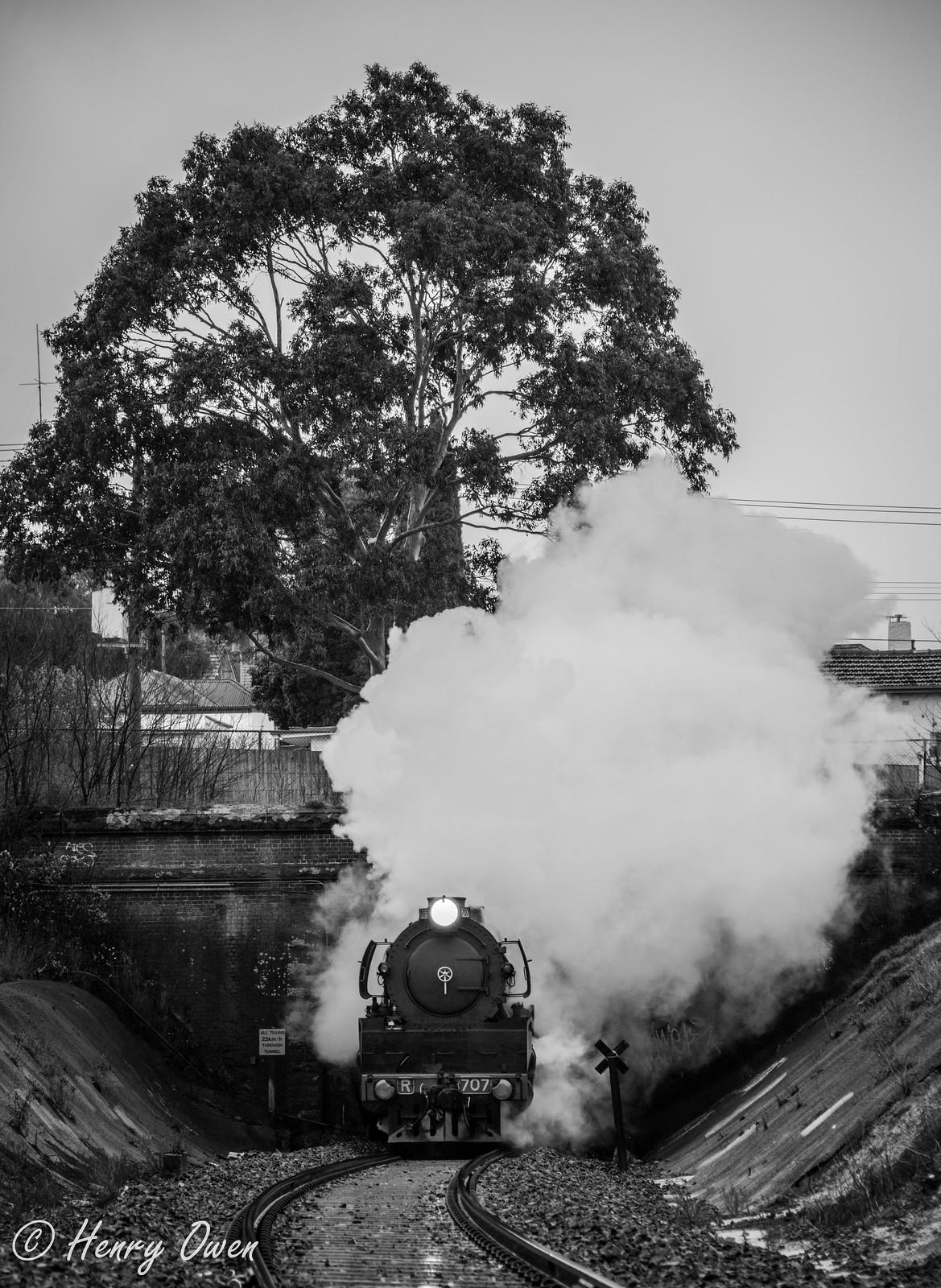 Geelong Tunnel by Henry Owen