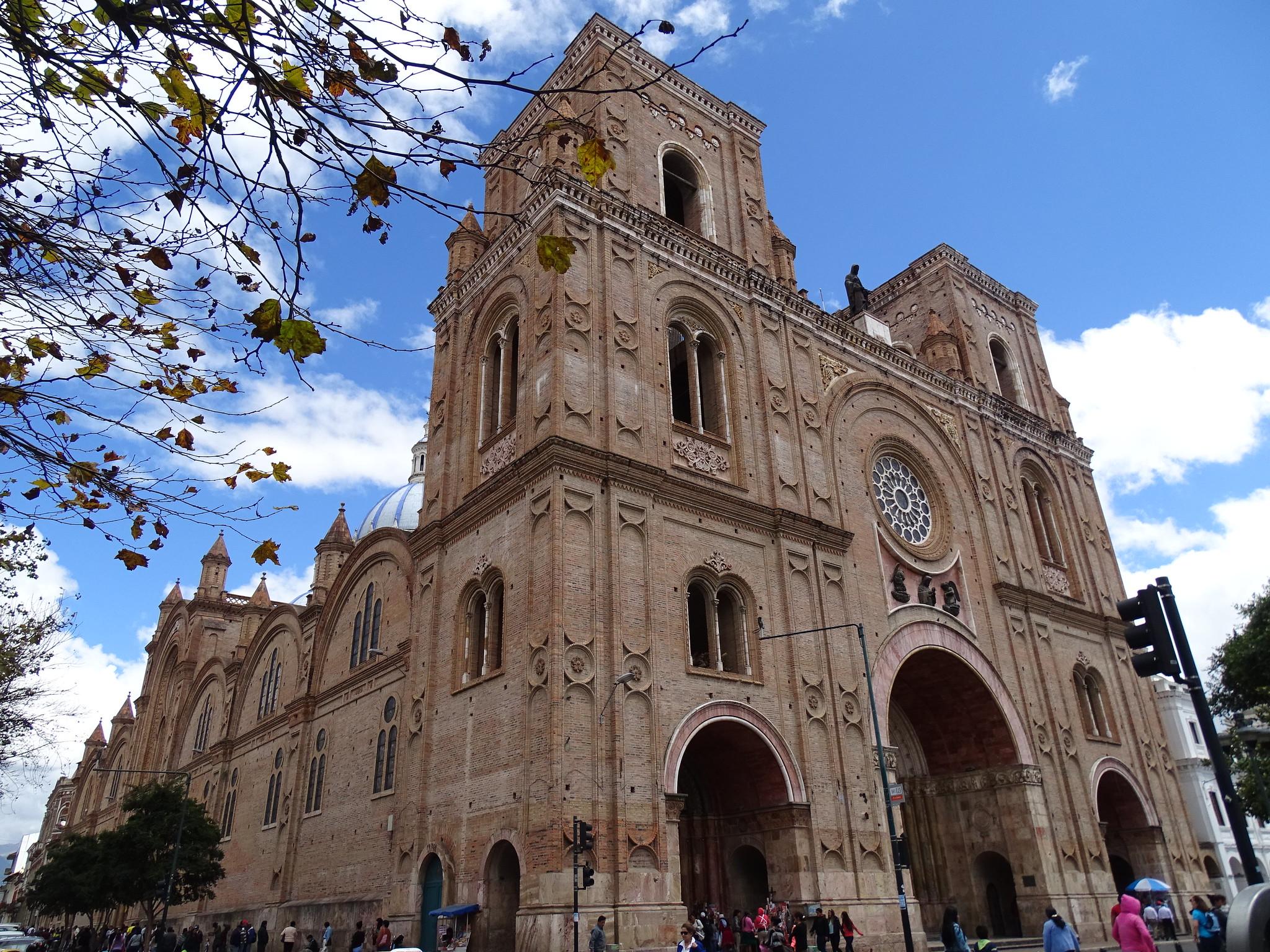 Catedral de la Inmaculada Concepcion de Cuenca Ecuador