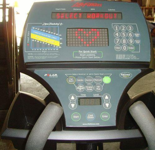 Life Fitness 9500HR Elliptical Console Photo