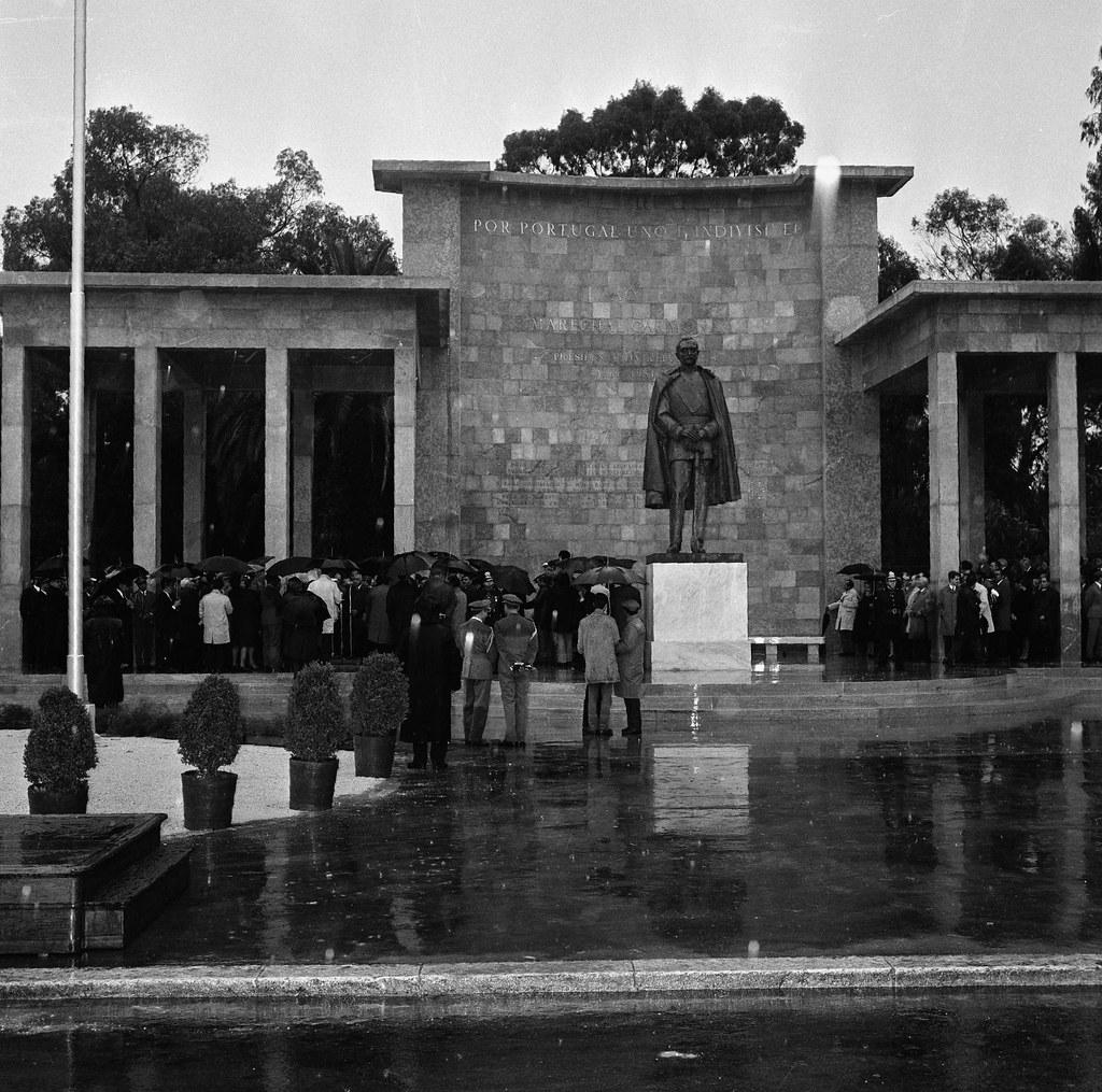 Monumento ao marechal Carmona, Campo Grande (A.Serôdio, 1970)