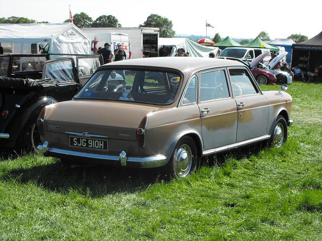Morris 1800 - SJG 910H
