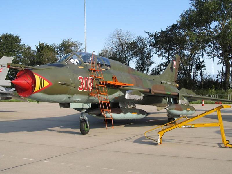 Sukhoi Su-22 UM 1