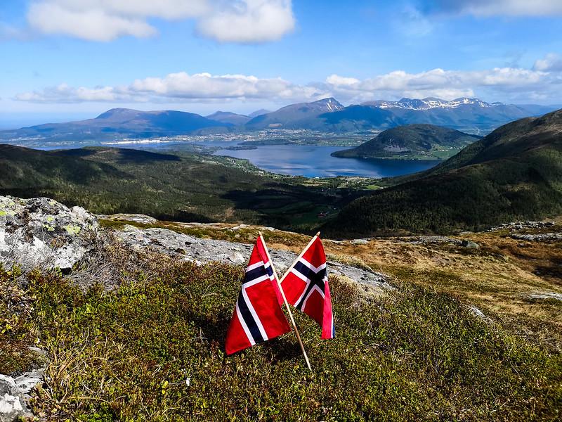 16-Frænfjorden og Elnesvågen sett fra Frænavarden