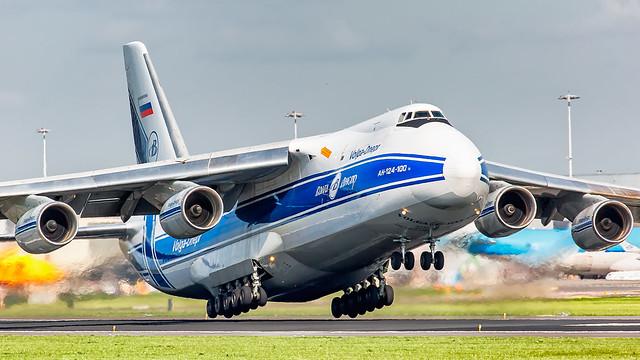 Volga Dnepr Airlines Antonov An-124 RA-82047