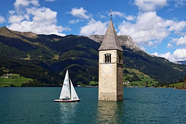in barca al campanile