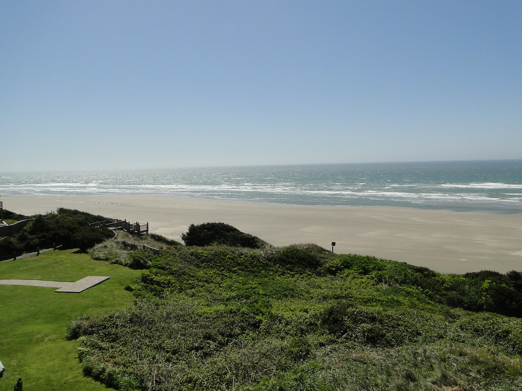 View From Hallmark Hotel In Newport Oregon View From Hall Flickr