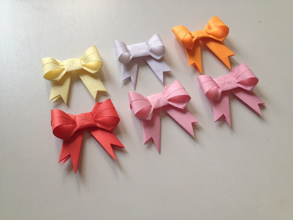 HOW TO MAKE AN ORIGAMI PAPER BOW. — Gathering Beauty | 768x1024