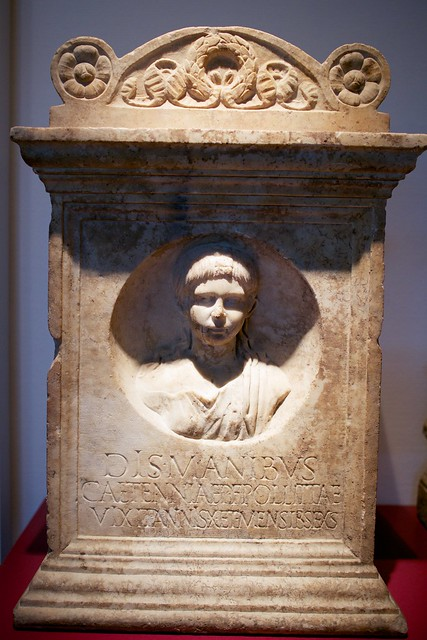 Dis manibus (To the spirits of the dead), Craetennia Politae daugther of Publius (she lived 10yr+6months)(RMO Leiden Rome 100AD)