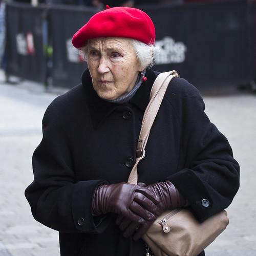 street ireland red portrait irish galway lady candid gloves cap older elegant beret fullard frankfullard
