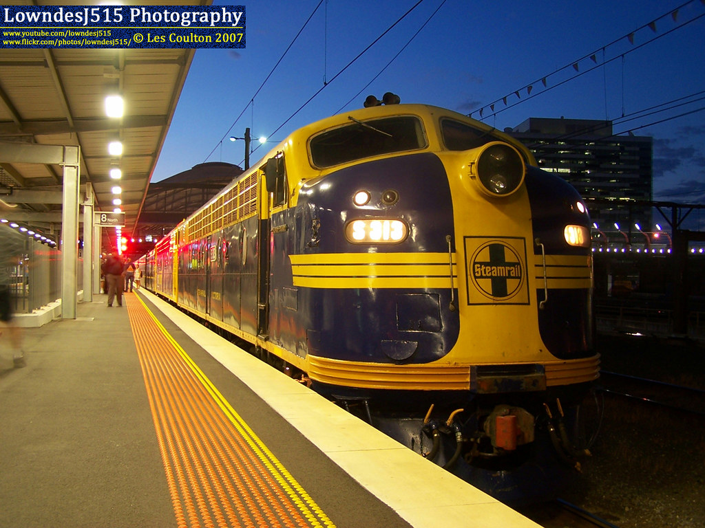 S313 & S307 at Southern Cross by LowndesJ515