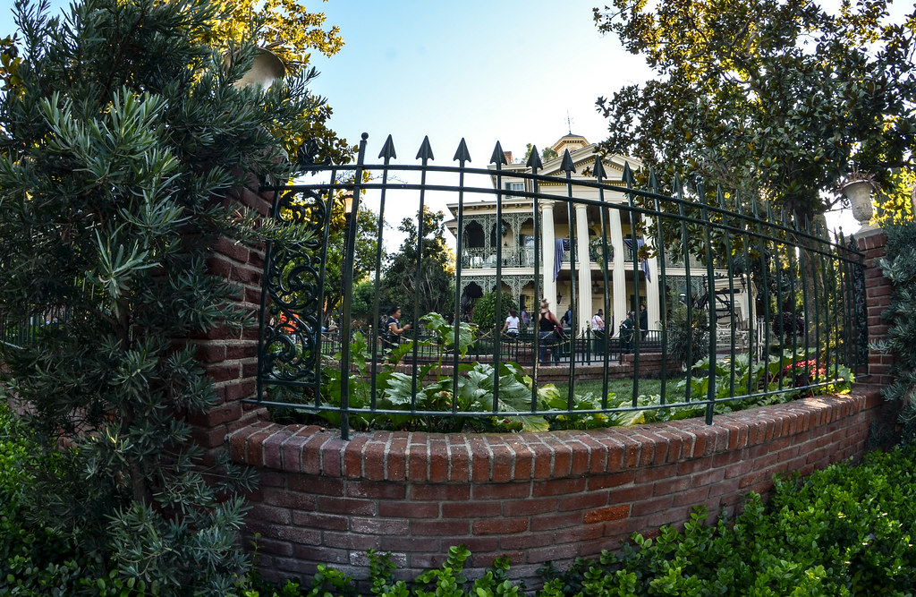 Haunted Mansion fence