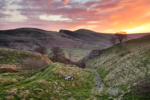 morning light sunset sky sun sunlight colors beautiful sunrise dawn golden early photo back colorful colours district derbyshire hill peak ridge caves mat hour cave colourful tor rise lose mam robinson castleton losehill matrobinsonphoto