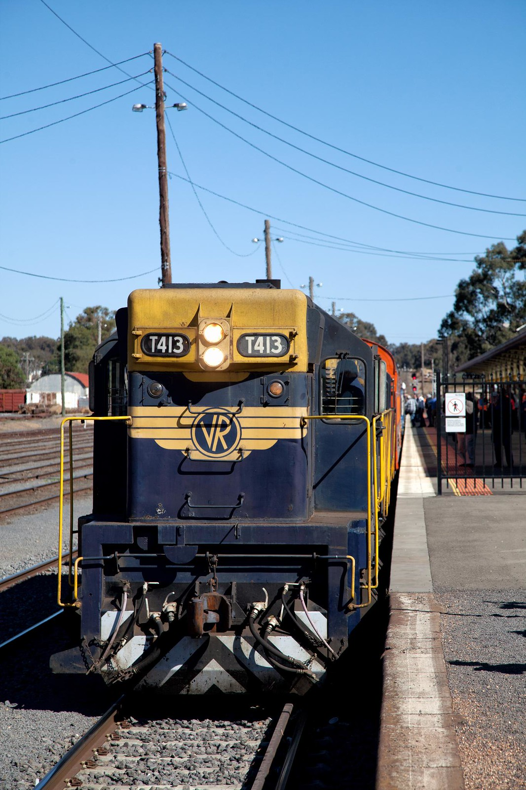 T413 at Maryborough by Trent