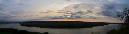 panorama sunrise river mississippi iowa dubuque mountcarmel bvm sisterofcharityoftheblessedvirginmary sdgiere