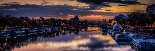 city bridge sky orange paris france reflection water yellow seine clouds sunrise dark boats dawn îledefrance cityscape view cloudy louvre lowsun